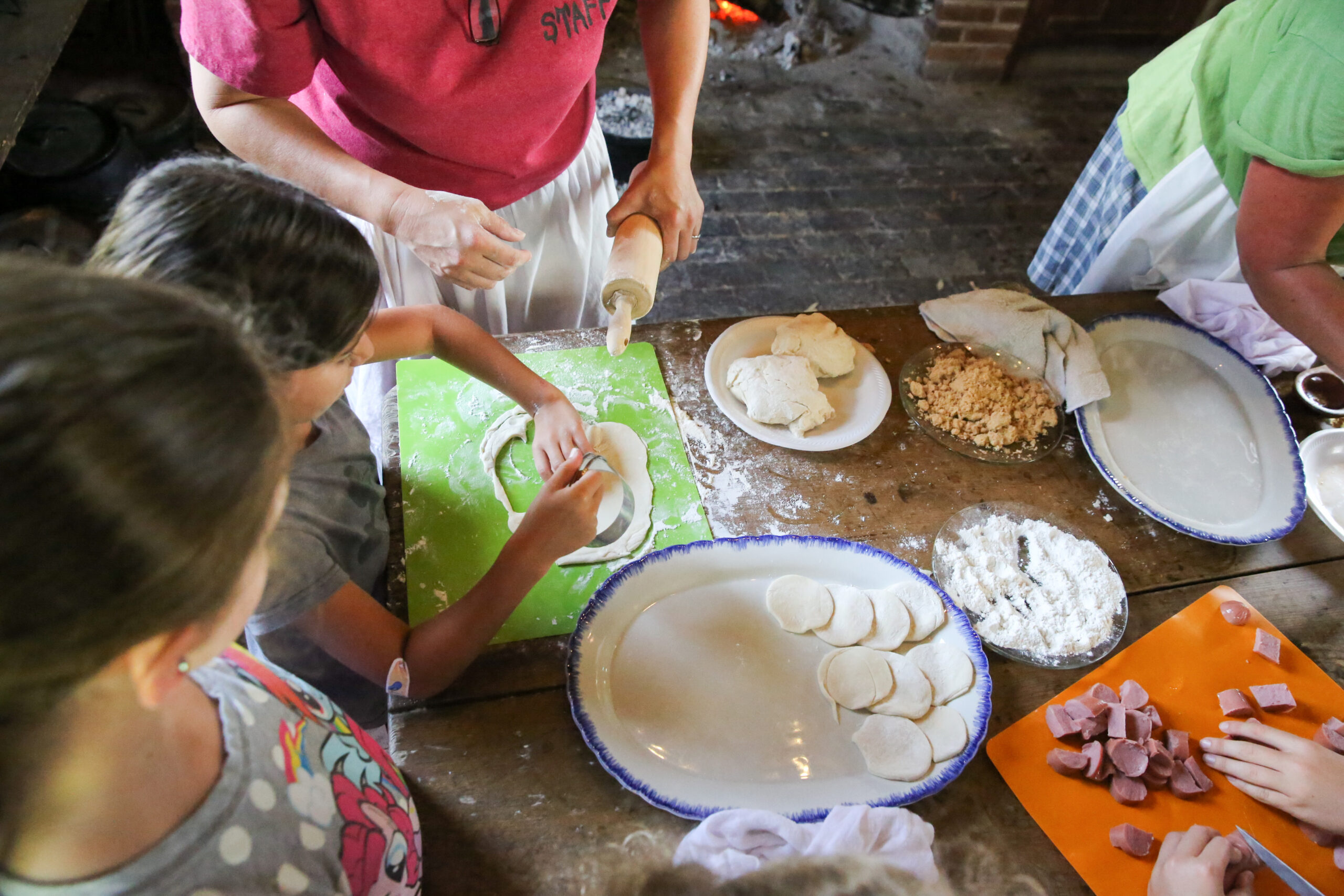 Adventures in Discovery with Magnolia Mound Plantation History Camp!